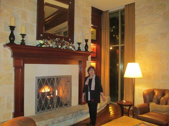 Mokara Hotel and Spa: Hotel Lobby.