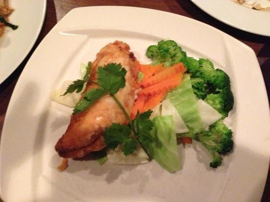 Bua Thai: fried Red Snapper (very small piece)