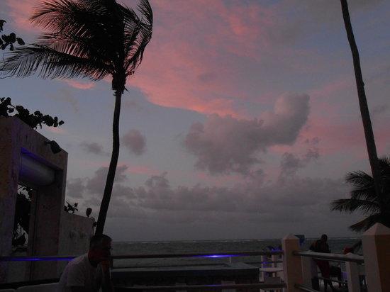Atlantic Beach Hotel: view from lobby