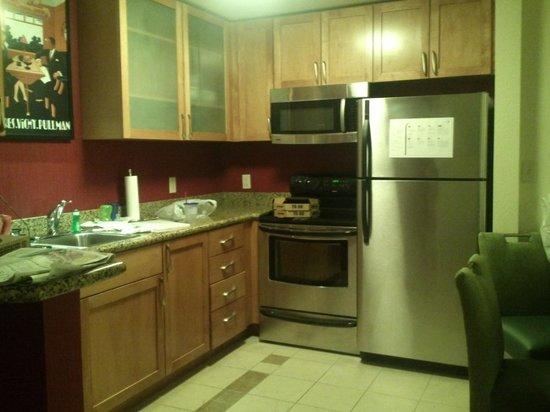 Residence Inn Chattanooga Near Hamilton Place: kitchen