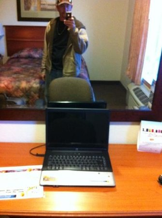 Super 8 Athabasca AB: free use of laptop. :-)