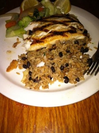 Captain Charlie's Reef Grill: Mahi Mahi with black beans & rice