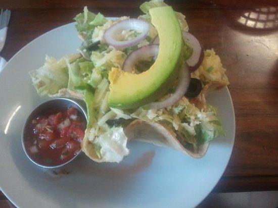 Jill's Cafe: Taco Shell Salad, very nice