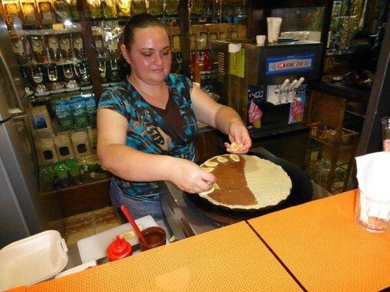 I'm Hungry Monteverde: Karol making the lovely