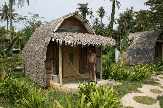 Monkey Island Resort: typical beach hut