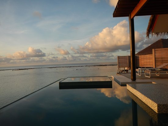 Niyama Private Islands Maldives : Sunrise from our villa