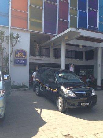 BEST WESTERN Kuta Beach : hotel front