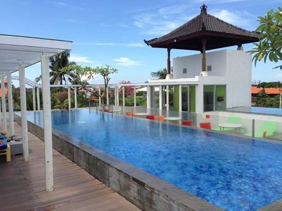BEST WESTERN Kuta Beach: 5th floor hotel pool