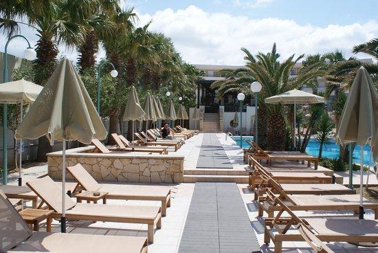 Rethymno Palace: au bord de la piscine