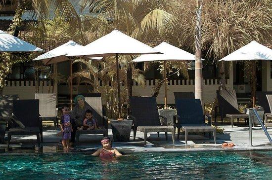 Hotel Santika Premiere Beach Resort Bali: Nice swimming pool