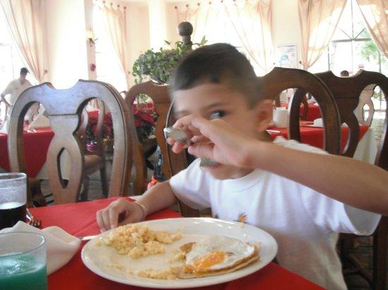 All Ritmo Cancun Resort & Waterpark: disfrutando del desayuno