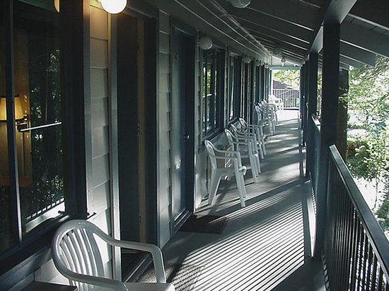 Bridge Bay at Shasta Lake: Bridge Bay Resort