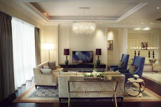 Raffles Makati: Presidential Suite Living Area