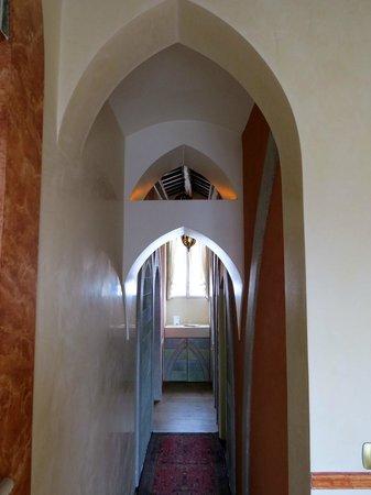 Hotel Monaco & Grand Canal: Suite hallway