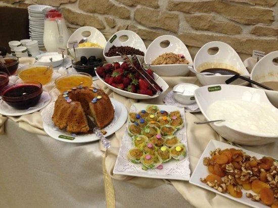 """Nowy Efendi Hotel """"Special Class"""": Breakfast buffet"""