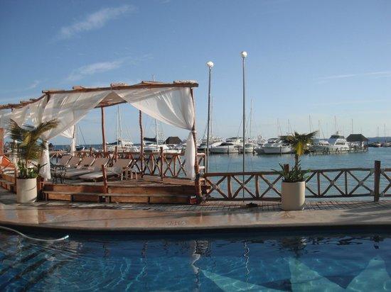 All Ritmo Cancun Resort & Waterpark: camastros
