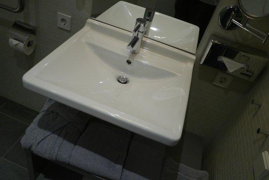 Aspria Berlin Ku'damm: Ванная комната