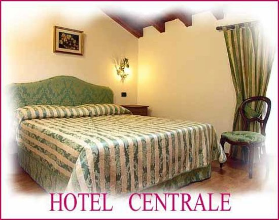 Hotel Centrale: ROOM