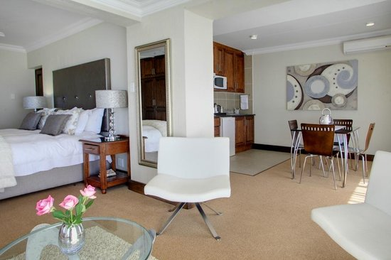 African Oceans Manor on the Beach: Suite 3