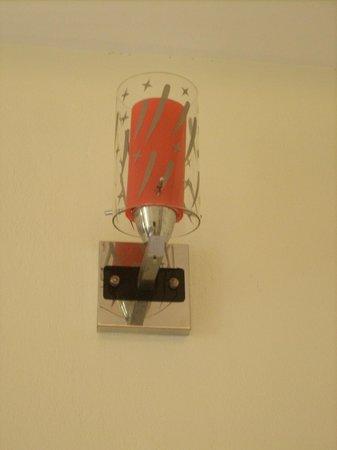 Simple Hostel: lamp in bedroom>>>!!2