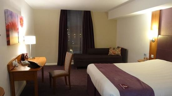 Premier Inn Belfast Titanic Quarter Hotel: Double room at the Premier Inn, Belfast Titanic Quarter