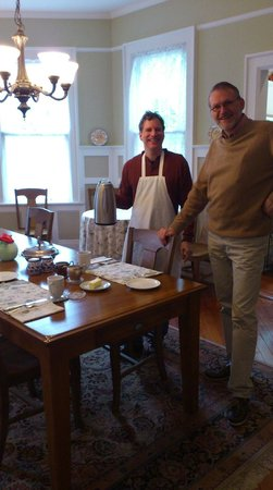 "North Street Inn Bed & Breakfast: At the breakfast table with ""chef"" Kevin"