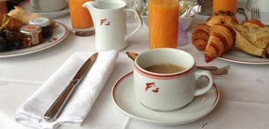 Hotel Barriere Le Majestic Cannes: Petit déj au fouquet´s