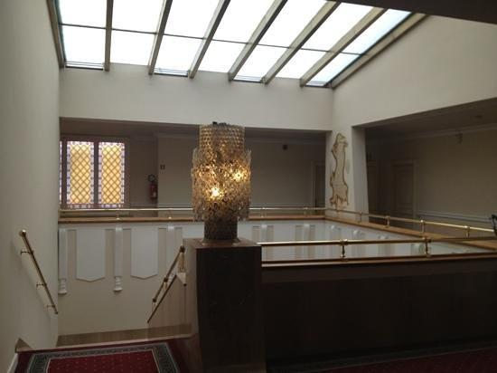 Plaza Lucchesi Hotel: piano 4, le scale