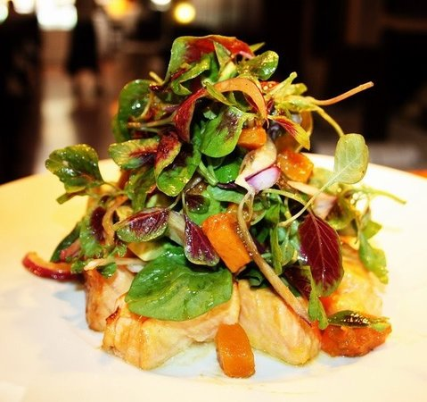 Appetite: Oven roasted salmon salad
