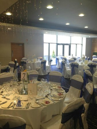 Clandeboye Lodge Hotel : Viceroy Suite dressed for our reception
