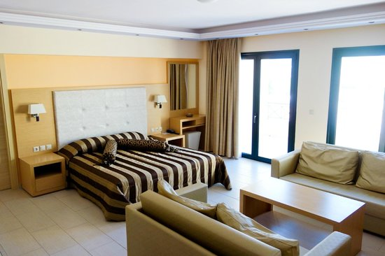 Ai Yannis Suites and Apartments Hotel : suite