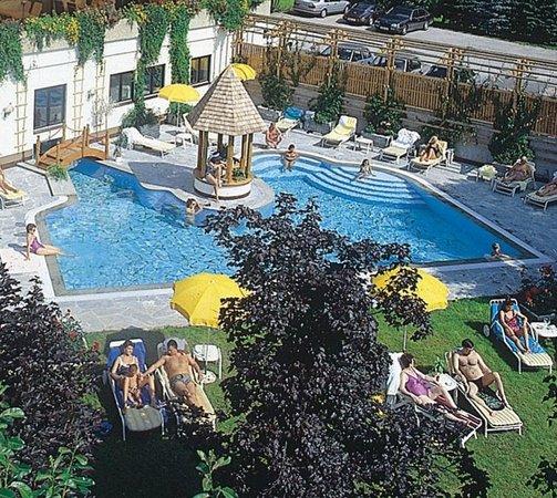 Hotel Bismarck: Freibadpool Stammhaus