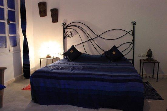 Riad Amana: chambre indigo