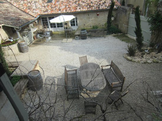 Le Relais Des Remparts : View from the hotel room