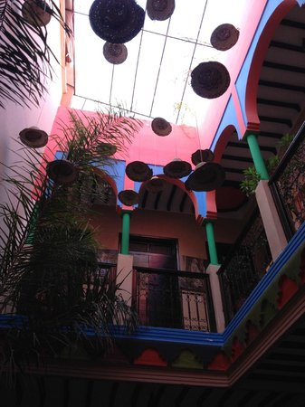 Hostel Nari-Nari Marrakech : The interior of the Hostel, very funky