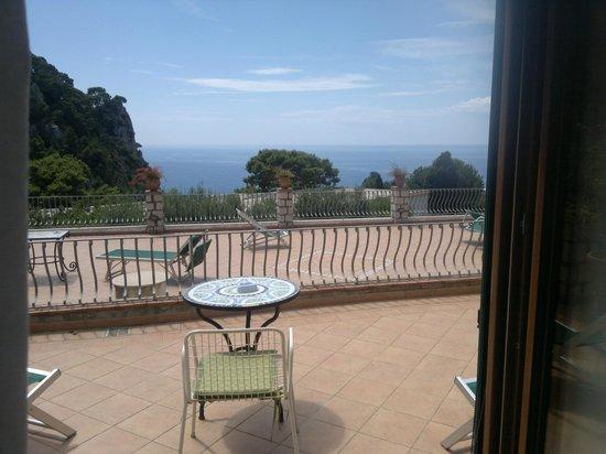 Hotel 4 Stagioni: camera vista mare