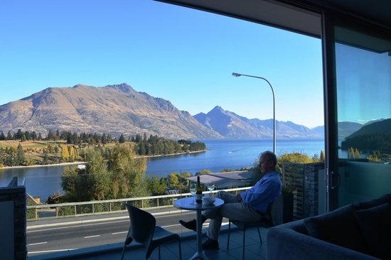 Drinks on the terrace picture of swiss belsuites pounamu for 5 the terrace queenstown