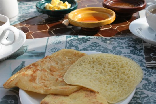 Riad Nesma: traditional breakfast