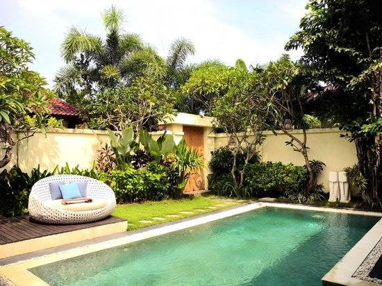4S Villas at Seminyak Square: Private pool!