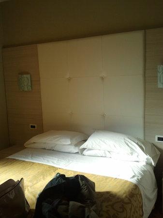 Hotel Globo & Suite Sanremo: Lit