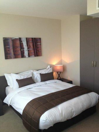 Hotel Xanadu: room 302