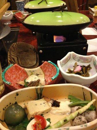 Okuhida Garden Hotel Yakedake: 鮎、山菜、そばなどがメインの食事。飛騨牛が蒸し物だったのが残念。ステーキだったら☆4つ