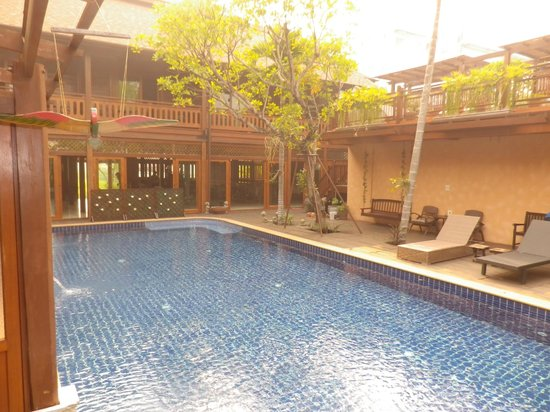 Baan U Sabai Boutique House: At the pool's edge from the room