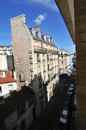 Hotel Delos Vaugirard Paris: View from the room.