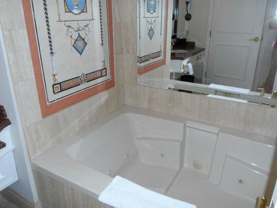 Caesars Palace: Jacuzzi Tub