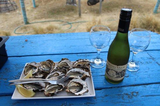 Meredith House and Mews : Fresh oysters (Freycinet Marine Farm)