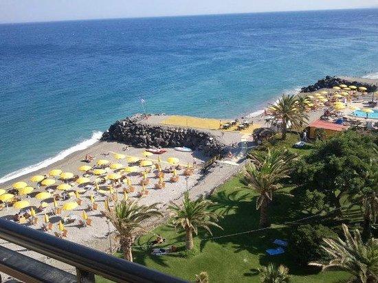 Hilton Giardini Naxos: vista mare e spiaggia privata