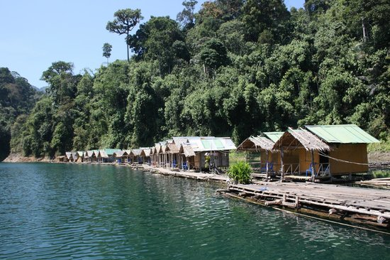 Khao Sok Green Mountain View Resort in Paradise: Floating bungalows, worth the visit!