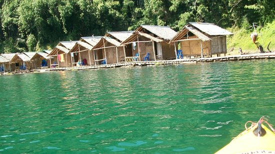 Khao Sok Green Mountain View: Floating bungalows, worth the visit!