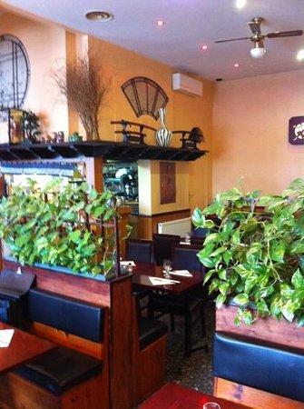 Yakigushi: vue d'une partie du restaurant